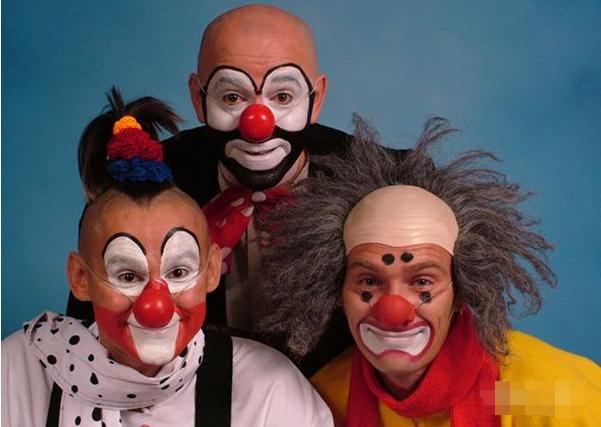 小丑马戏魔术杂技轮番上演