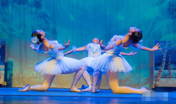 玩库多媒体魔幻圣诞轻芭蕾儿童剧《胡桃夹子》
